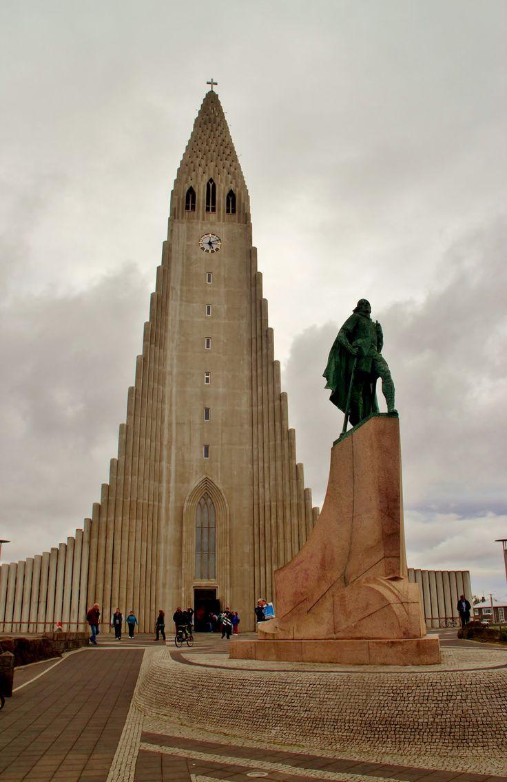 Hallgrímskirkja (Hallgrim's Church) in Reykjavik,Iceland