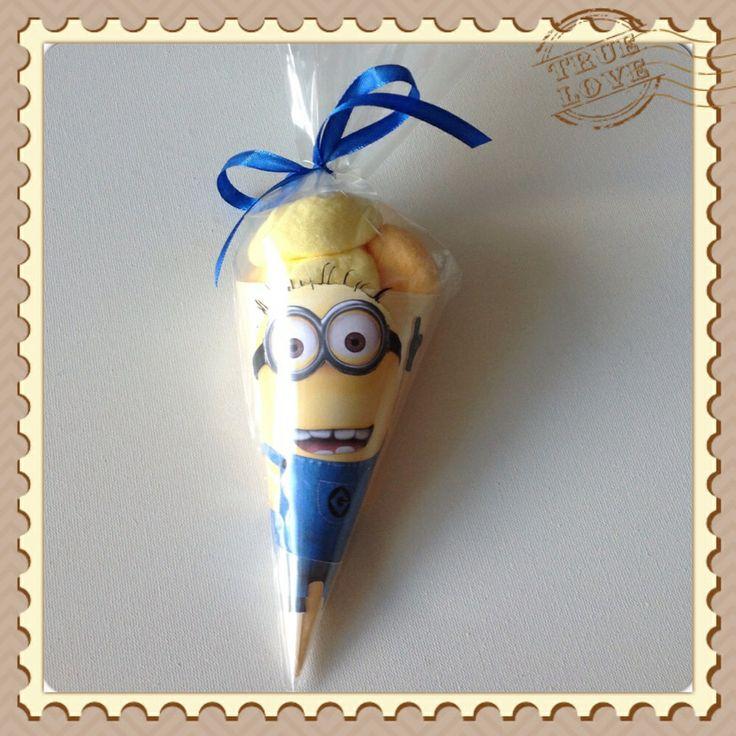 Minion spek ijsjes. https://www.facebook.com/pages/Rias-Traktaties/462934343744671