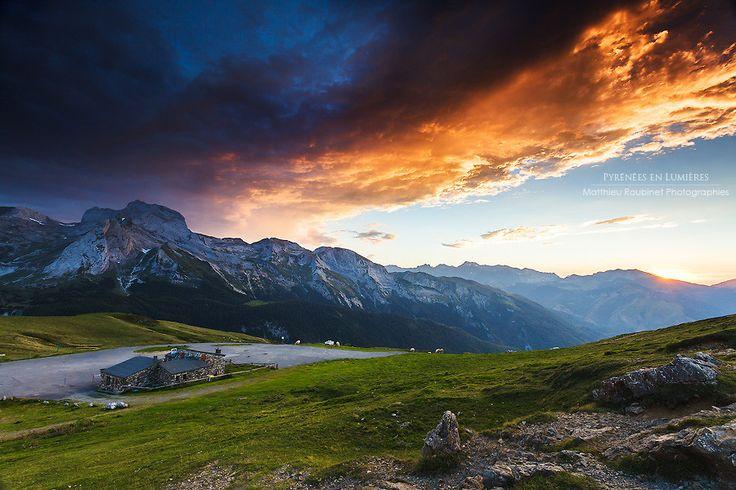 Burning sunset at Col d'Aubisque - French Pyrénées Apocalyspe sur l'Aubisque by Matthieu Roubinet on 500px