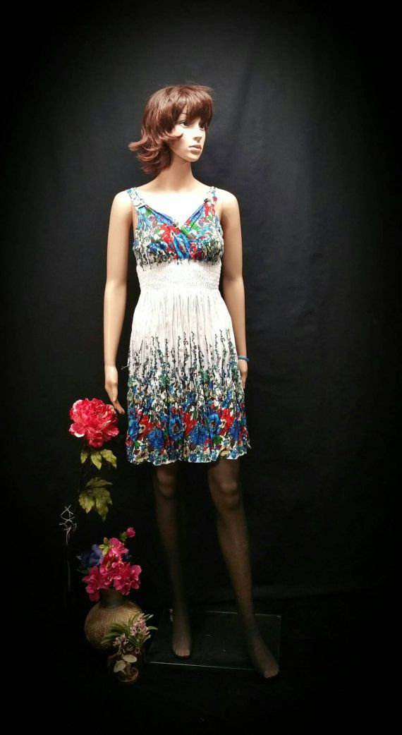 Red white and blue women Easter dress, white wild flowers print smock tunic spring summer sundress, white & blue flowers dress, cruise dress Check out this item in my Etsy shop https://www.etsy.com/listing/267534978/red-white-and-blue-women-easter-dress