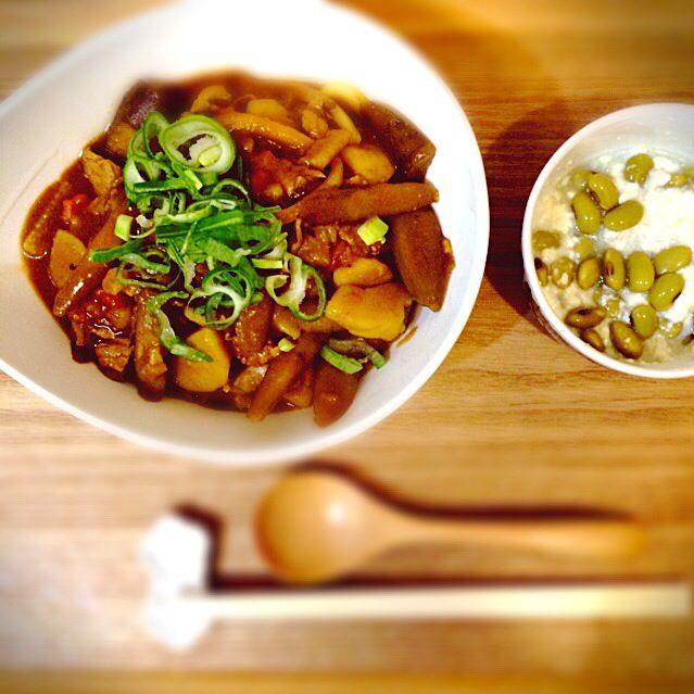 豚汁の残りにカレールーを投入してカレーうどん。 ひたし豆の豆腐和え。 - 15件のもぐもぐ - 豚汁カレーうどん。 by yuko710
