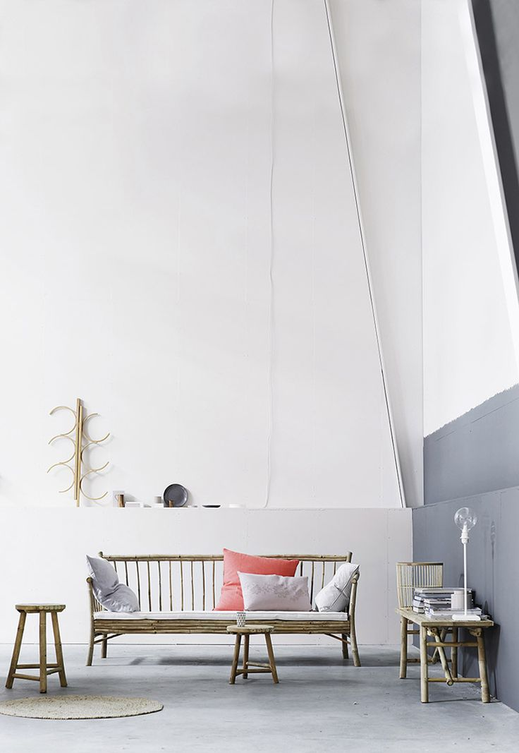 Loving slate grey, pale pink and bright coral as a summer palette.