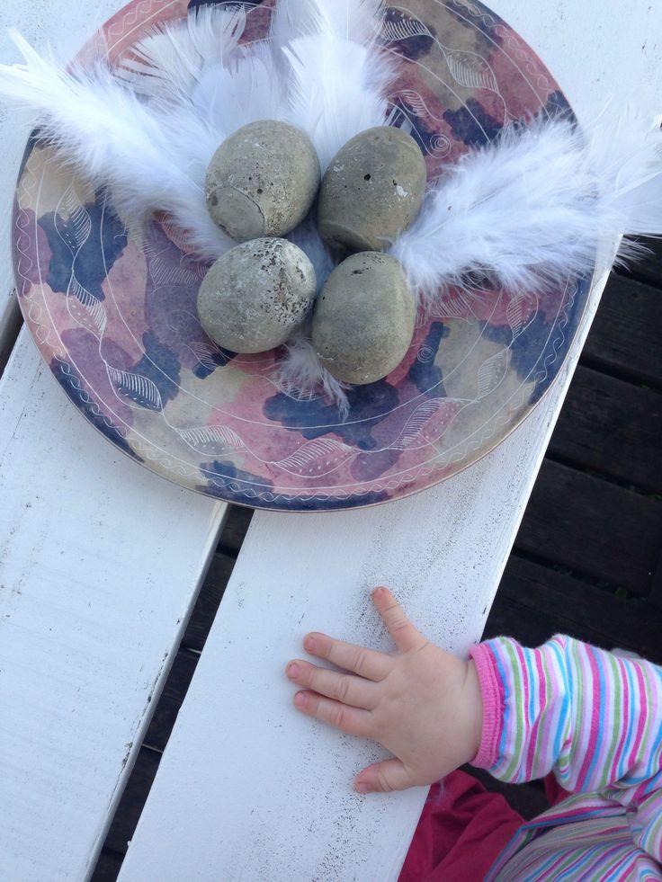 Att påskpyssla med betong