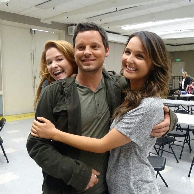 "Sarah Drew (""Dr. April Kepner"") went around and chatted with us and even Justin Chambers (""Alex Karev"") & Camilla Luddington (""Dr. Josephine 'Jo' Wilson"") #GreysAnatomy"