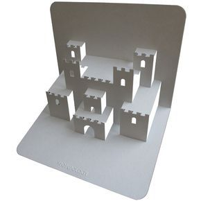 Castle Pop Up Card. Click on link for free video tutorial and template. http://www.popupology.co.uk/galleries/2/items/105