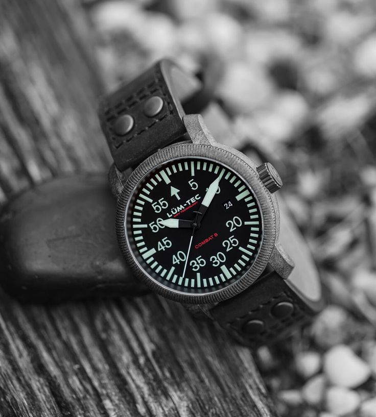 LÜM-TEC WATCH - B24 Carbon