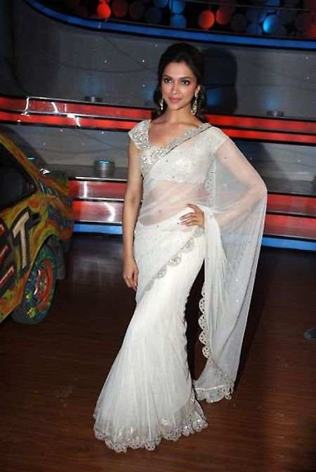 #DeepikaPadukone Heavy Work Net #Saree
