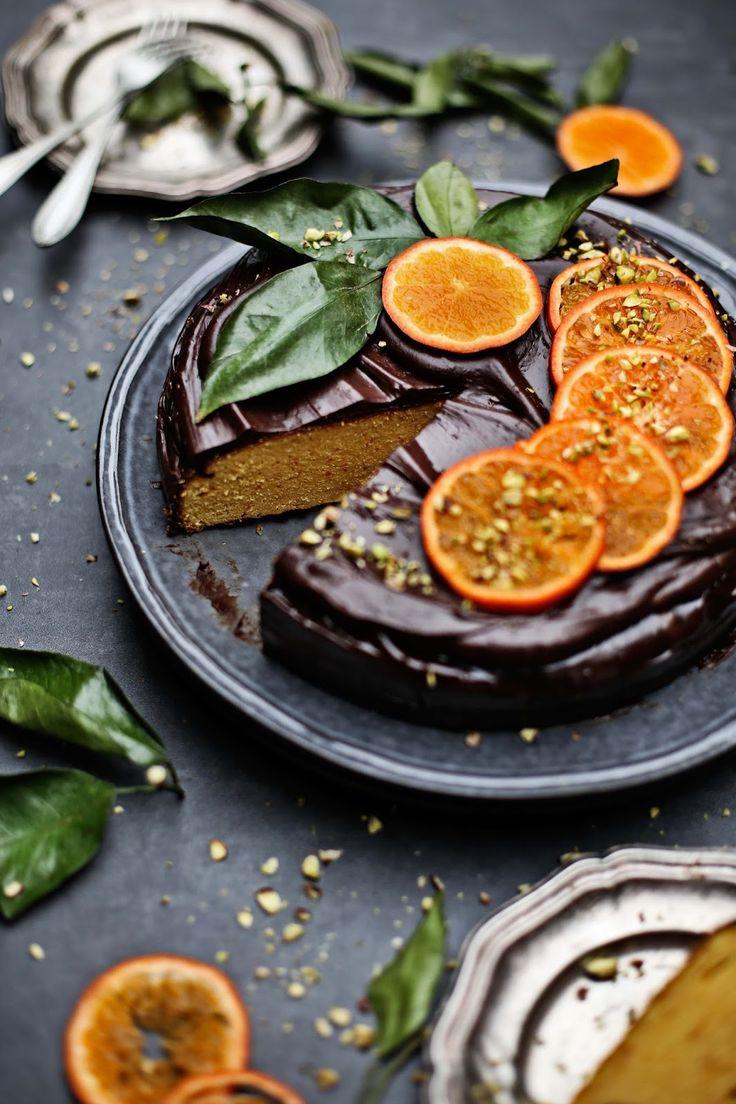 Pratos e Travessas: Bolo de clementina com ganache # Clementine cake with…