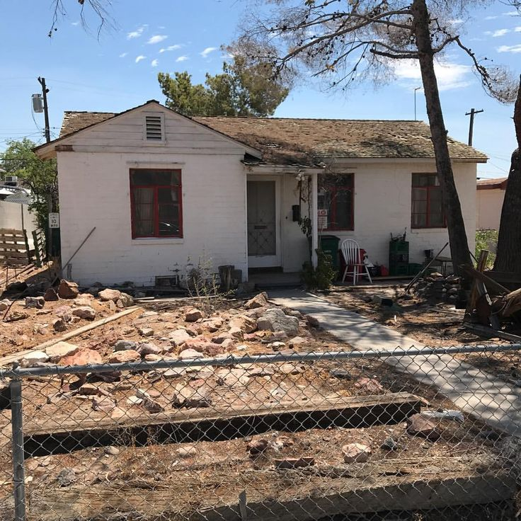 """Aubrey Marunde on Instagram: """"Look at this cute historic Boulder City NV house we are going to renovate for Season 2 of Flip or Flop Vegas!!! #fliporflopvegas #hgtv #tinyhouse"""""""