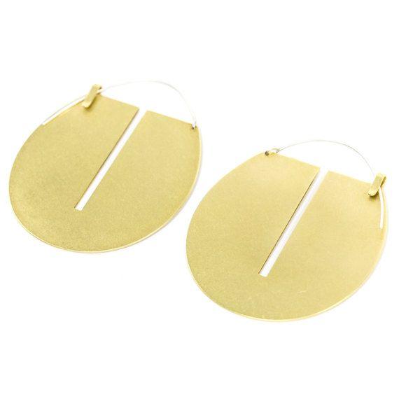 Big brass gold toned hoop earrings // Lié hoop by betsyandiya