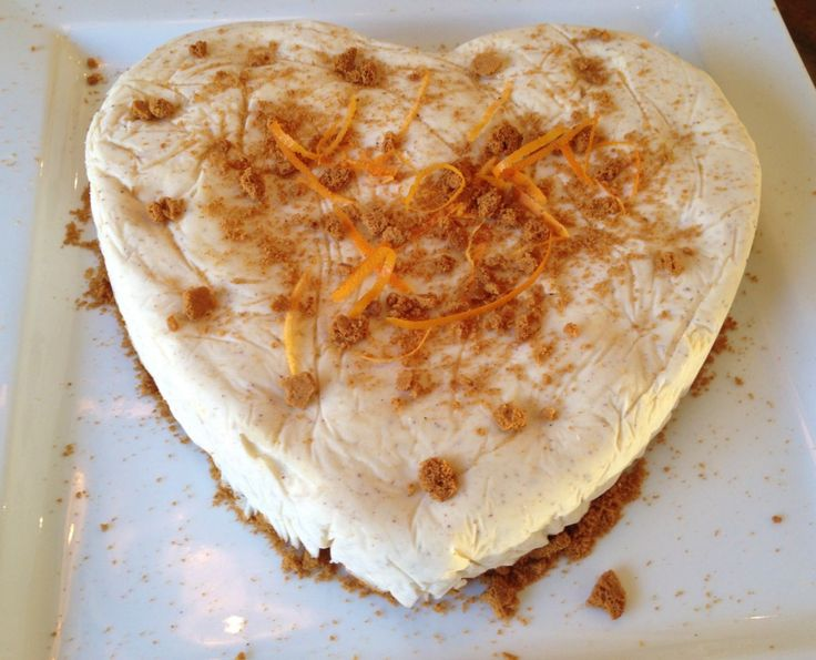 Cheesecake med juliga smaker. Apelsin, pepparkaka, kanel, kardemumma