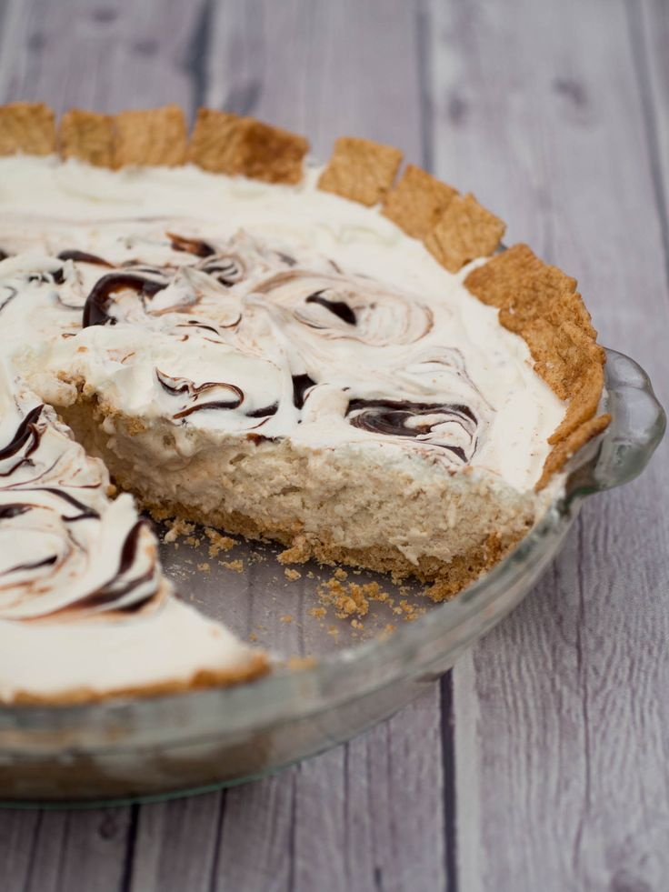 Cinnamon Ice Cream Pie - made with Cinnamon Toast Crunch Cereal, Ice ...