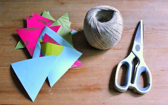 DIY: Vimplar av tapetrester! [DIY flags out of wall paper-left overs] #wedding #bröllop #ecobride