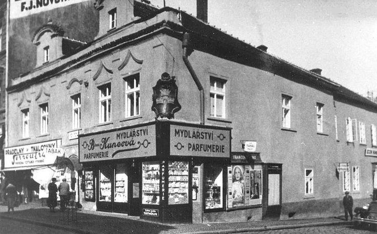 dům čp. 42 U tří korun - rubešova/kutnohorská - Kolem roku 1930