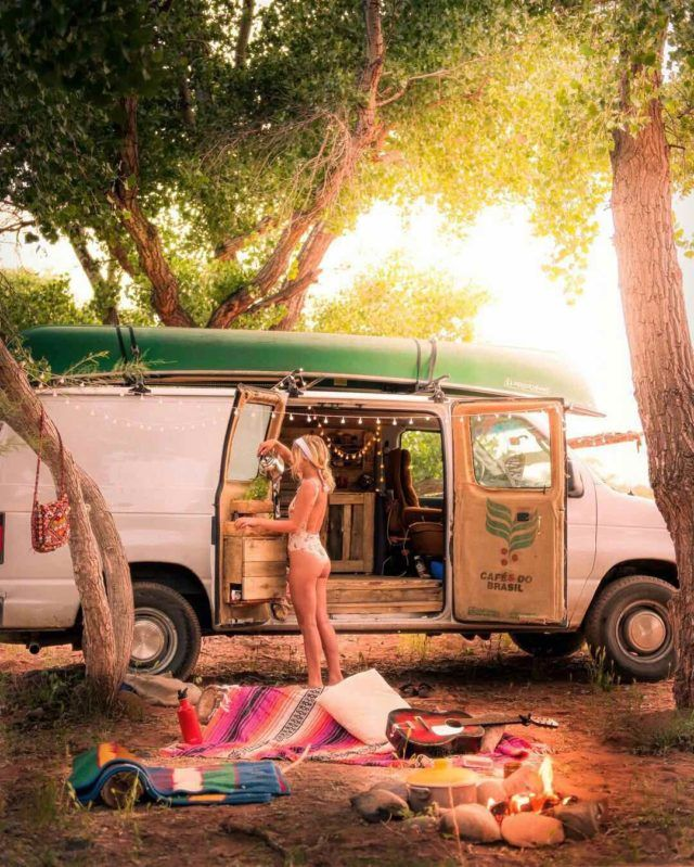 481d872e6f Living In A Van Allows Them To Exploring The World