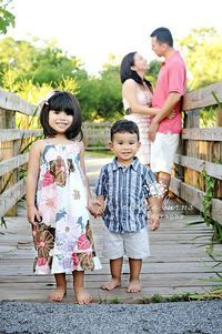 family of four photo poses | Posts similar to: Family of four poses - Juxtapost