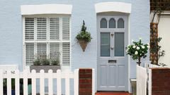Want to improve you home's kerb appeal? Try a fresh lick of Dulux Weathershield masonry paint