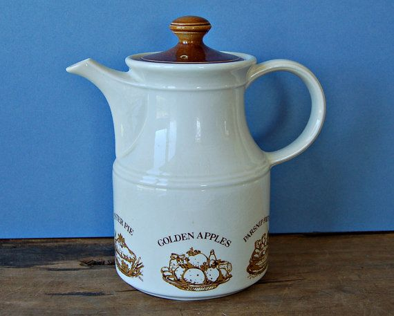 Vintage English Biltons coffee pot with apples and by nancyplage, £16.00