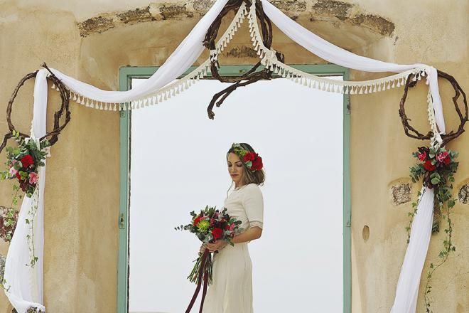 Boho wedding in Santorini- wedding ceremony arch