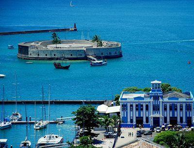 Catamarã naufraga em Salvador - Blog - Voz da Bahia - A Bahia tem Voz!