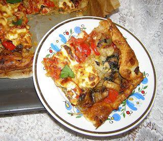 W Mojej Kuchni Lubię.. : na cieście francuskim szybka pizza...