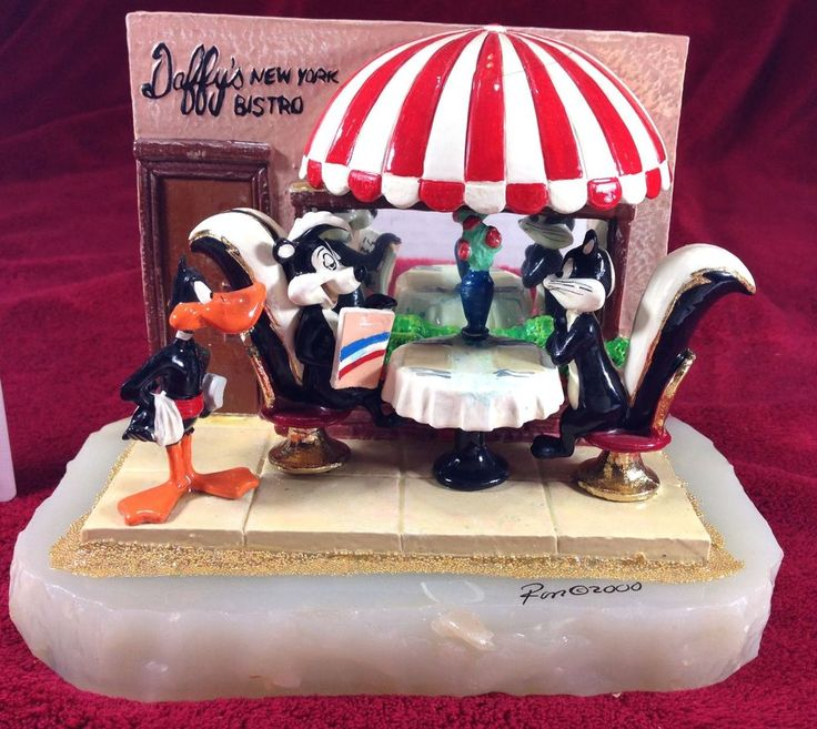 Ron Lee Warner Brothers I'll Have the Daffy Duck Pepe Le Pew Sculpture LE334/950