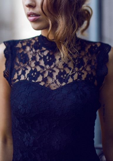 Open Back Lace Dress - Black - Gorgeous Floral Lace Neckline