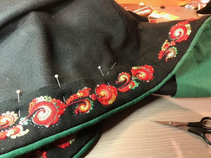Making a new skirt for a Tinnbunad