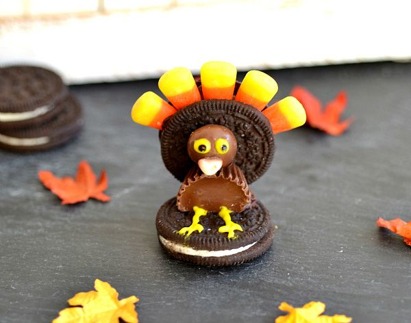 edible pilgrim hats | Oreo turkeys and pilgrim hats