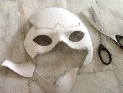 How to make a robin mask | Halloween | Pinterest | Masking, Robins ...