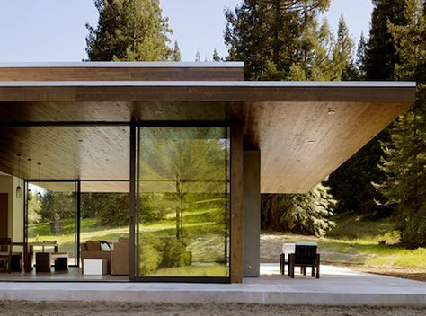 Tucked away in the redwoods of Northern California is the Marra Road weekend house from Dowling Studios.