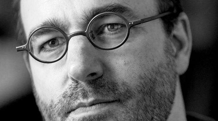 """Parla il filosofo canadese Alain Deneault, autore del longseller  internazionale La mediocrazia: """"L'unico antidoto è il pensiero critico"""""""