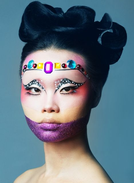 Simonetta Tsapanou - Master Class in Creative Make-Up in LMI