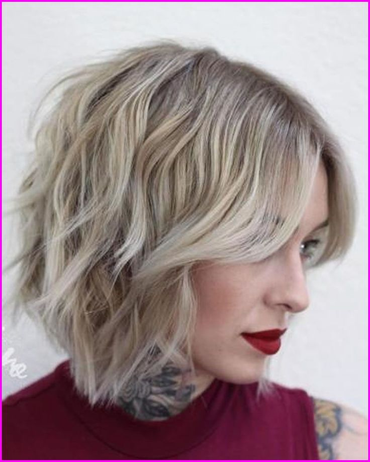 Überwältigende kurze abgehackte Haarschnitte für 2018-2019 … | #trendfrisuren2019 #neuefrisuren2019 #haarschnitte2019 #frisuren2019 #frauen #sommerfrisuren2019 #winterfrisuren2019 #haarfarben2019   – Einfache Frisuren