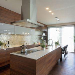 アイランドキッチンの施工事例、完成事例を集めてみました。あなたのイメージに合ったアイランドキッチンがきっと見つかるはずです。注文住宅の総合情報サイト ハウスネットギャラリー