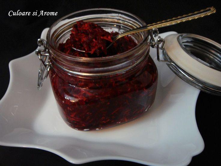 """<p>De+obicei+nu+masor+cantitatile+pentru+aceasta+salata,+le+pun+""""din+ochi""""+cum+se+zice+si+dupa+gust.+Ingrediente:+–+5+bucati+de+sfecla+rosie+(au+cantarit+1,3+kg+gata+curatate)+–+2+radacini+hrean+–+50+ml+otet+–+1+lingurita+rasa+sare+(dupa+gust)+–+1+lingura+cu+…</p>"""