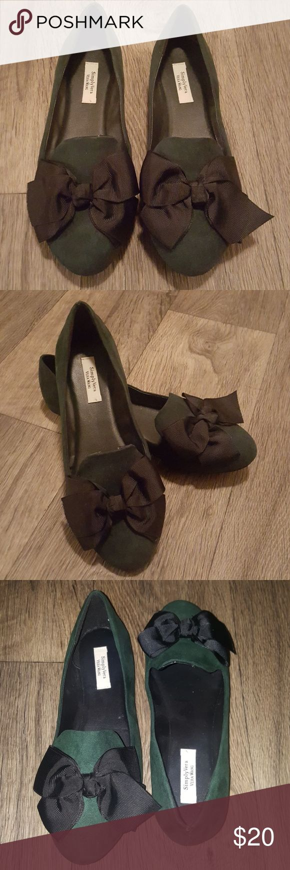 Green Smoking Flat Adorable green smoking flats with black bow. Faux suede, worn only once!!! Simply Vera Vera Wang Shoes Flats & Loafers