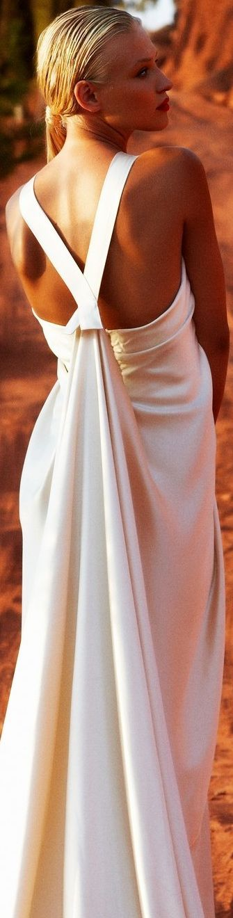 115 best FASHION images on Pinterest | Evening gowns, High fashion ...