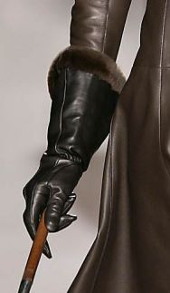 ** HERMES Black leather gloves mink trim. Longer gauntlet styles of gloves are set to be the accessory of fall winter 2006/2007.