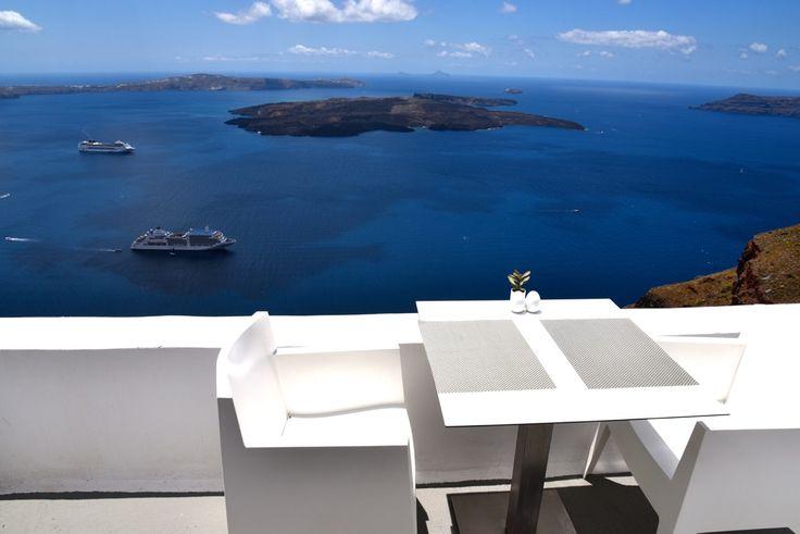 Chromata-Luxury-Hotel-Santorini-Greece-Paradise 12