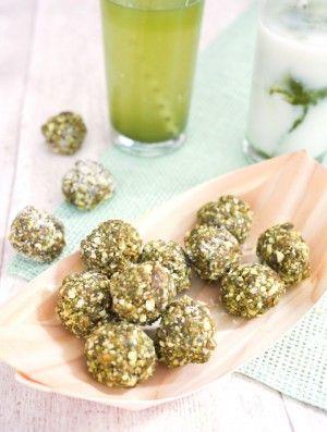 Rezept für Matcha Energyballs mit Cashewkernen und Feigen
