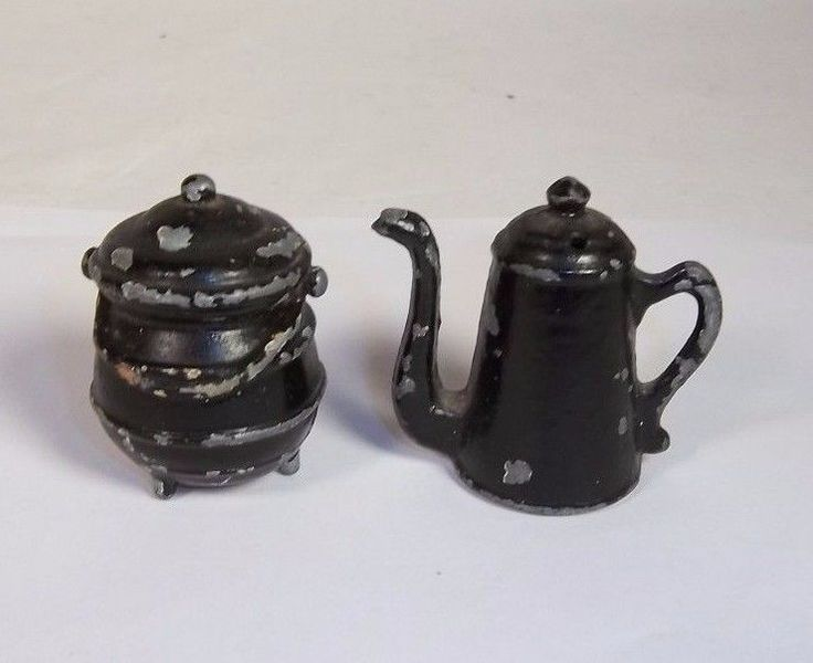 Vintage Cast Iron Salt & Pepper Shakers Painted Coffee / Tea Pot and Kettle