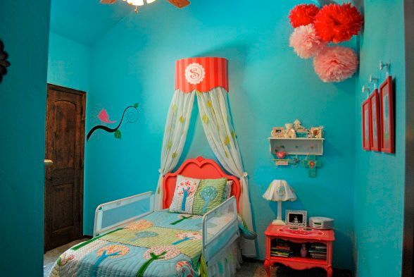 really like this color comboColors Combos, Girls Room Design, Room Colors, Kids Room, Room Ideas, Design Dazzle, Big Girls Room, Pom Pom, Girl Rooms