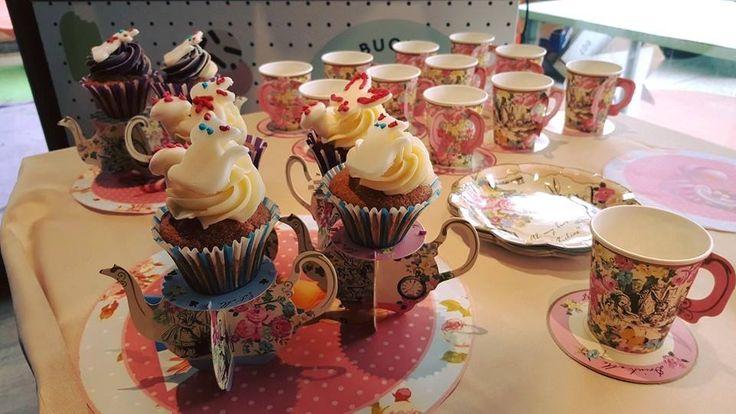 Alice in Wonderland themed Birthday Party @ Spazio Caffelarte! #birthday #compleanno #adele #party #festa #adele #aliceinwonderland #cupcake
