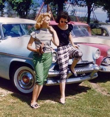 1950s Summer time...love their Pedal Pushers!