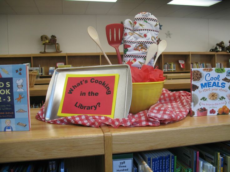 library book dispalys | Come on down to the library for a cook book today!