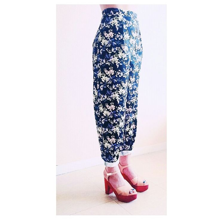 Flower pant  Come get it on www.chha.fr