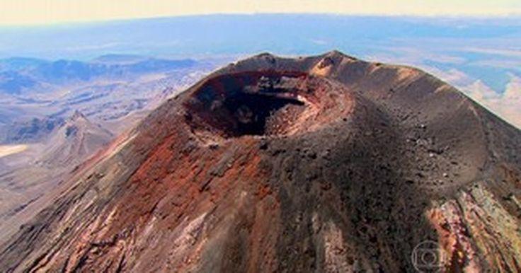 Trilha em parque da Nova Zelândia passa por vulcão ainda em atividade