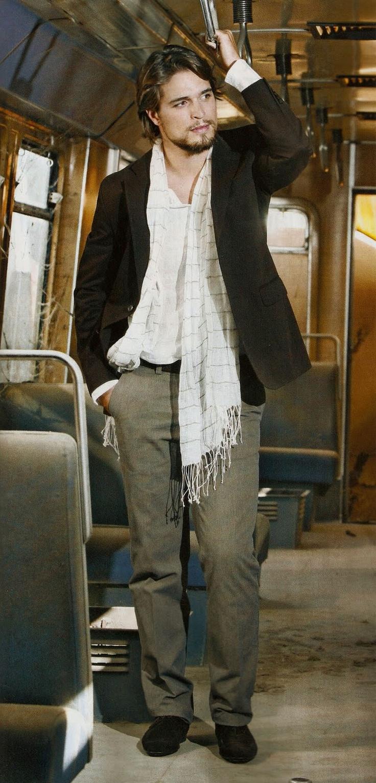 Diogo Morgado he is my favorite actor in hollywood!!!