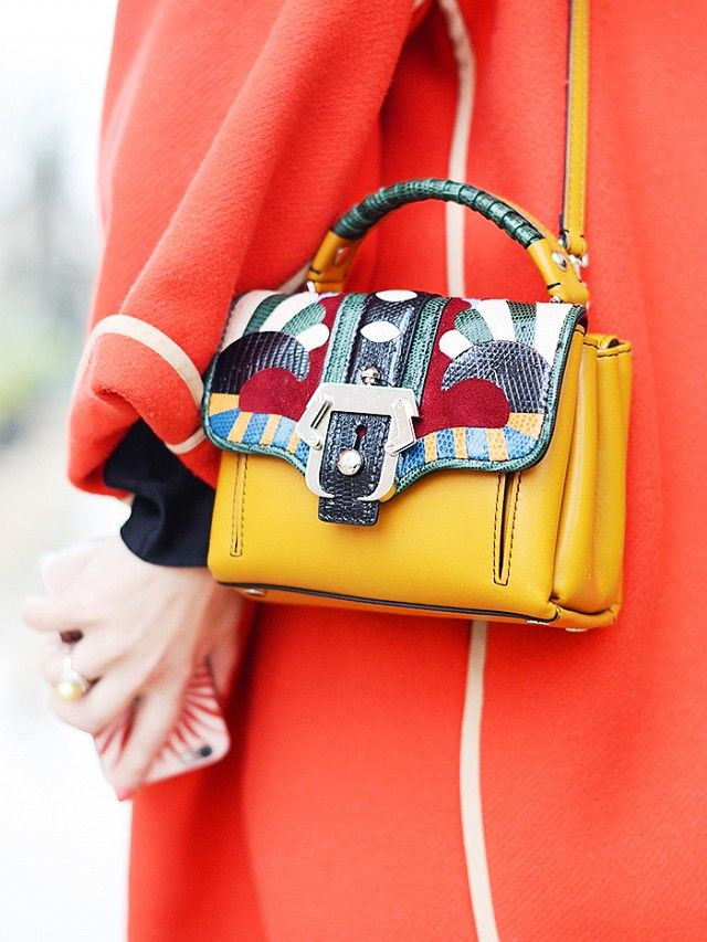 Paris+Street+Style:+See+the+Bag+Everyone+is+Carrying+via+@WhoWhatWear